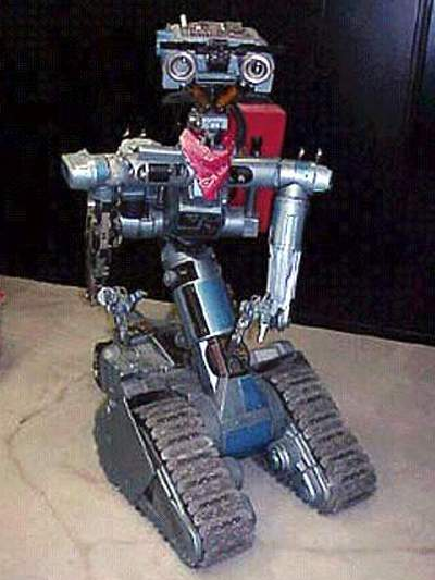 Robot V Johnny 5 http://www.theoldrobots.com/Movie6.html