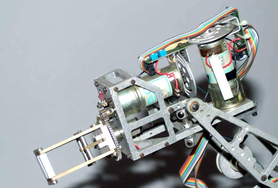 Rhino Xr 1 Robot Arm By Sandhu Machine Design Inc The Old Robots