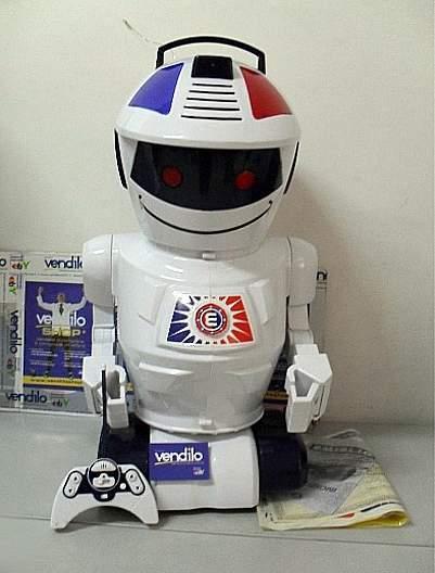 GIOCHI PREZIOSI Emiglio  Mon Premier Robot 52.03€ @ Pixmania  Betadeals