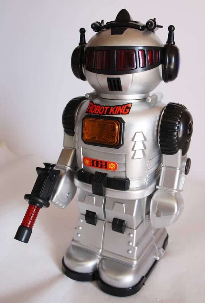 robot king smoke puffing robot  maycrowd   robots web site
