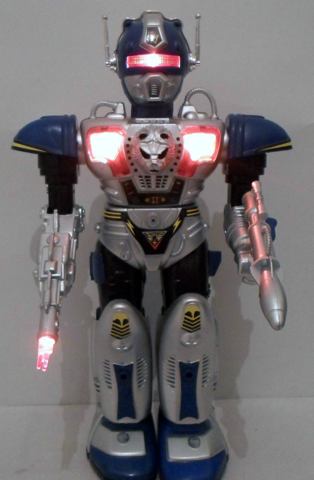 Robot Leader by Toy State - The Old Robots Web Site